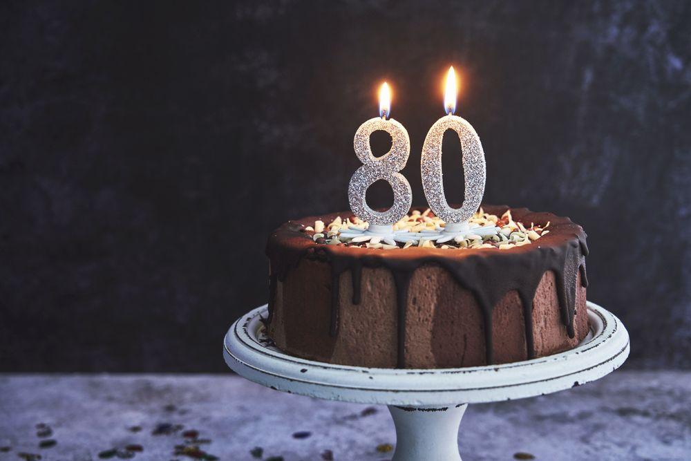frasi di auguri spiritose per chi compie 80 anni